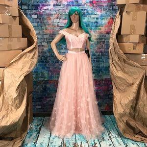 SHERRI HILL 🎀 2pc Blush Gown! #52046